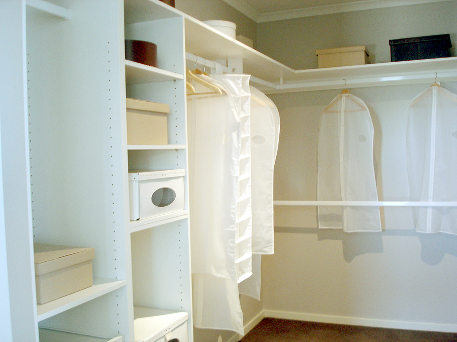 What Are Good Closet Organization Systems?